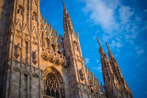 catedral do duomo de milão foto