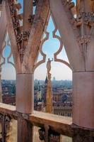 vista da catedral de Milão foto