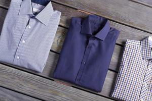 camisas masculinas clássicas de negócios. foto