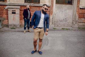 moda de dois homens barbudos foto