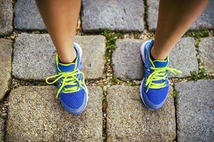 corredor feminino, pés closeup