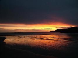 pôr do sol costeiro 012 foto