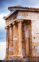 templo de atena nike close-up na acrópole foto