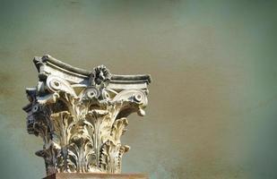 coluna grega antiga foto