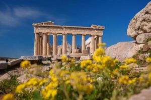 Acrópole com o templo de Partenon em Atenas, Grécia foto