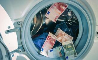 lavagem de dinheiro foto