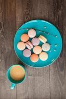 lindos macarons multicoloridos foto