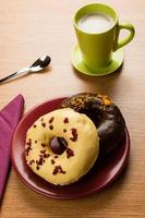 donuts café da manhã foto