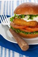Hambúrguer de peixe foto