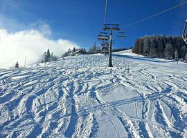 viagem de esqui deslumbrante foto