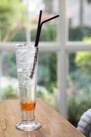 refrigerante de pêssego foto