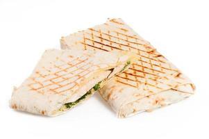 sanduíche de pita com frango foto