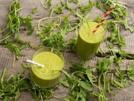 smoothies verdes frescos