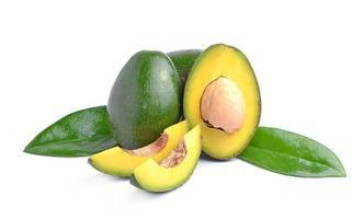 abacates em um fundo branco foto