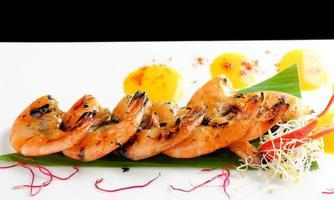 """bons restaurantes tailandeses / coentro fresco marinado em camarão """"tigre preto"""" foto"""