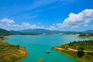 lago ham thuan, um destino perto da cidade de dalat foto