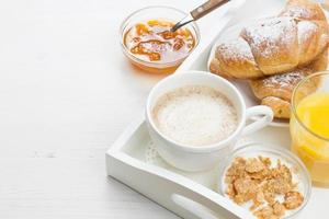 café da manhã francês foto