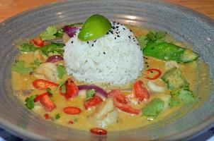 caril tailandês de camarão