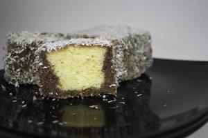 torta de chocolate com coco foto