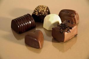 chocolates isolados foto