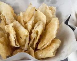 comida indiana roti feita de farinha, outro nome é chapat