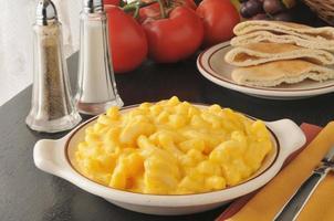 Macarrão com queijo cremoso foto