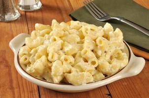 macarrão com queijo parmesão foto