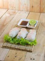 receita de rolos de macarrão de arroz cozido no vapor foto
