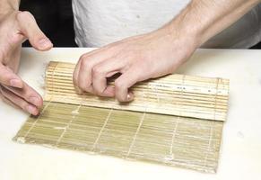 fabricação de sushi foto