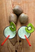 foto aérea de smoothie de kiwi