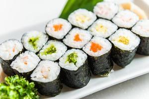 rolo de sushi foto