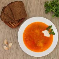 sopa de beterraba vermelha foto