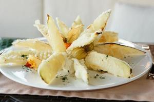 berinjela frita com cobertura de tempura