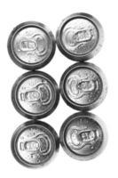 latas de cerveja no fundo branco, vista de cima foto