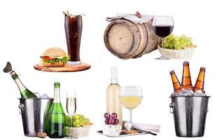 champanhe, vinho, cerveja, cola e comida foto