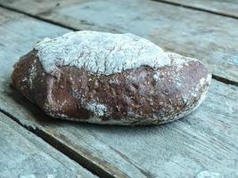 pão escuro foto