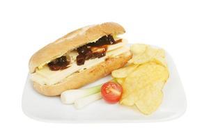 baguete de queijo e picles foto