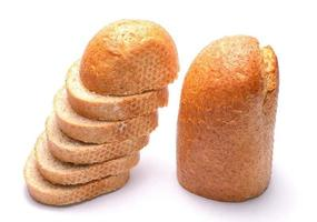 pão isolado no fundo branco foto