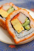 rolos de califórnia, comida japonesa foto