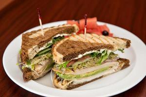 Turquia no sanduíche de centeio