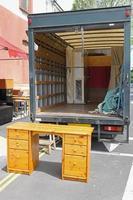 caminhão de móveis foto