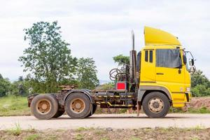 apresentação de caminhão na construção de estradas foto