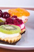 deliciosos bolos coloridos foto