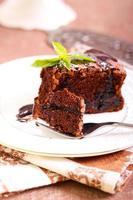 torta de ameixa e chocolate foto