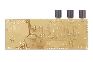 placa de circuito isolada em um fundo branco foto