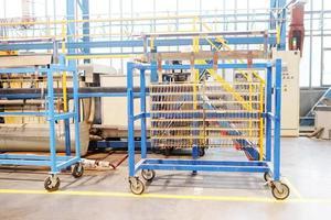 transportador na fábrica foto