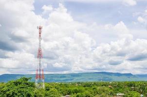 antena de rádio de telecomunicações. foto