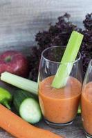 vegetais e frutas misturados foto