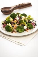salada de brocoli e queijo feta foto