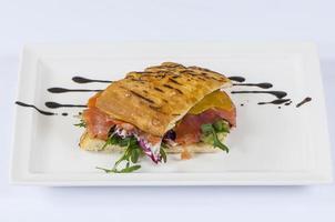 sanduíche com peixe foto